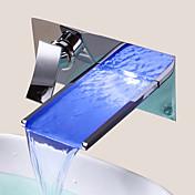 Moderne Vægmonteret LED / Foss with  Keramisk Ventil Enkelt håndtak To Huller for  Krom , Bathroom sink tappekran