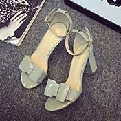 Feminino Sandálias Conforto Couro Envernizado Verão Casual Conforto Laço Salto Grosso Salto de bloco Branco Cinzento Amêndoa 5 a 7 cm