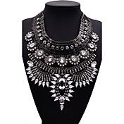 女性用 ステートメントネックレス ジュエリー ジュエリー ジェム 合金 ファッション 欧米の ゴールド ブラック シルバー ジュエリー のために パーティー 1個