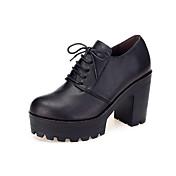 Mujer Zapatos Cuero Primavera Otoño Zapatos formales Tacones Tacón Robusto Dedo redondo Para Casual Negro Marrón