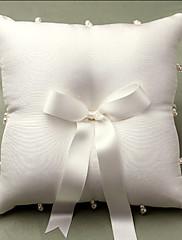 アイボリー サテン リボン/人造真珠付き ウェディングリングピロー