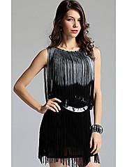atraktivní žena šaty