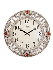 """19.2 """"H Vintage Floral embosované a Red Ruby Silver Polyresin Nástěnné hodiny"""