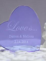 primeros de la torta la aduana del cristal del corazón púrpura de la torta ----- amor es