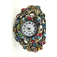 Quartz Movement Round Shape With Shining Cubic Zirconia Bracelet Watch