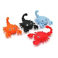 mini söpö skorpioni muoto koukku pothook korkki ripustin 2 imukuppia satunnainen väri