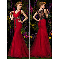 TS Couture Prom / Formal Evening Dress - Burgundy Plus Sizes Trumpet/Mermaid V-neck Sweep/Brush Train Lace