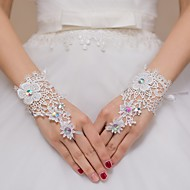 Lace Wrist Length Wedding/Party Glove