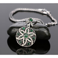Women's Luxury Fashion Style Six Petal Flower Shaped Alloy Diamond Pendant Necklace