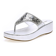 Women's Shoes Leatherette Flat Heel Flip Flops Slippers Office & Career / Dress / Casual Silver / Gold