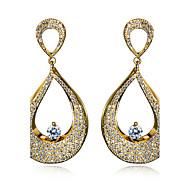 עגיל Oval Shape עגילי טיפה תכשיטים 1 זוג אופנתי חתונה / Party / יומי / קזו'אל זירקוניה מעוקבת / נחושת / מצופה פלטינום / ציפוי זהב נשים