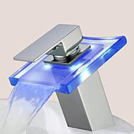 現代風 組み合わせ式 LED with  セラミックバルブ シングルハンドルつの穴 for  クロム , バスルームのシンクの蛇口