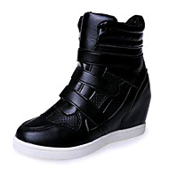 Women's Sneakers Spring / Fall Wedges Leatherette Casual Wedge Heel Buckle Black / White Sneaker