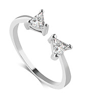 Ring Fashion Wedding / Party / Daily / Casual Jewelry Alloy / Zircon Women Band Rings 1pc,6 / 7 / 8 / 9 Gold / Silver