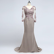 Formal Evening Dress Sheath / Column V-neck Court Train Chiffon with Appliques / Beading / Flower(s)