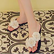 Feminino-Chinelos e flip-flops-Chanel-Rasteiro-Preto / Branco-Borracha-Casual