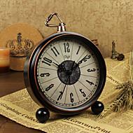 שעון מעורר עם מקרה matel / בסגנון וינטאג '