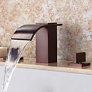 Contemporâneo Difundido Cascata Spray Amplo with  Válvula Cerâmica Duas alças de três furos for  Bronze Oleado , Torneira pia do banheiro