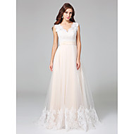 A-line Wedding Dress Court Train V-neck Lace / Tulle with Appliques