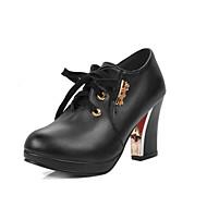 Feminino Saltos Sapatos formais Courino Primavera Verão Festa Aniversário Diário Sapatos formais Cadarço Salto GrossoBranco Preto