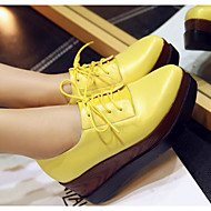 Naiset Oxford-kengät Comfort Kevät Syksy Nupukkinahka Nahka Kausaliteetti Valkoinen Musta Keltainen 2-2,75in