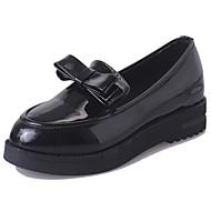 Dame 一脚蹬鞋、懒人鞋 Komfort PU Sommer Avslappet Sløyfe Flat hæl Svart 5 - 7 cm