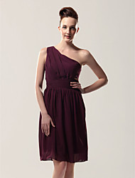 Knee-length Chiffon Bridesmaid Dress - Grape Plus Sizes / Petite Sheath/Column One Shoulder
