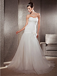 Lanting Bride® Fit & Flare Petite / Plus Sizes Wedding Dress - Classic & Timeless / Elegant & Luxurious Chapel Train Sweetheart Organza