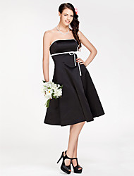 Lanting Bride® Knee-length Satin Bridesmaid Dress - Little Black Dress A-line / Princess Strapless Plus Size / Petite with Sash / Ribbon
