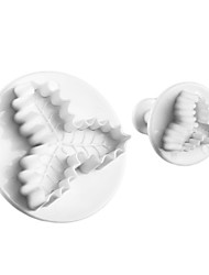 Holly Leaf Shape Cake and Cookie Cutter Mold with Plunger (2 Pieces)