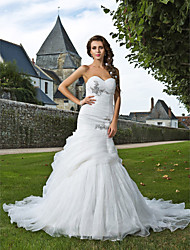Mermaid / Trumpet Sweetheart Chapel Train Organza Wedding Dress with Beading Appliques Ruche Side-Draped by LAN TING BRIDE®