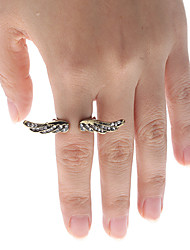 Angle Wing Flying Pattern Ring
