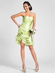 Knee-length Taffeta Bridesmaid Dress - Lime Green Plus Sizes / Petite Sheath/Column Strapless