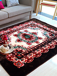 6.5 'Traditional Floral Pattern Polyester Bonded Tapis