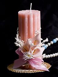 bougie coloré avec des fleurs de corail de mariage