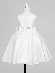 Lovely Sleeveless Taffeta Wedding/Evening Flower Girl Dress With Flowers