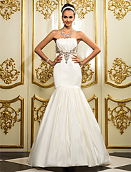 Fit & Flare Plus Sizes Wedding Dress - Ivory Floor-length Strapless Satin