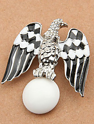 Unique en alliage faucon broche en forme (plus de couleurs)