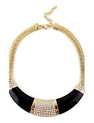 treiben Halbkreis Diamanten eingelegten goldenen Halskette