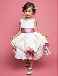 A-line / Ball Gown / Princess Knee-length Flower Girl Dress - Chiffon / Lace / Satin / Tulle Sleeveless Straps withBow(s) / Pick Up Skirt