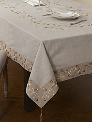 "69""X104"" Retro Style Beige Floral Table Cloth"