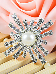 Wedding Décor Ornamental Accessory With Pearl in the Center