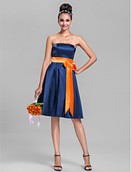 Lanting Bride® Knee-length Stretch Satin Bridesmaid Dress - A-line Strapless Plus Size / Petite with Bow(s) / Sash / Ribbon