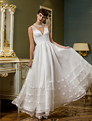 Lanting Bride® A-line Petite / Plus Sizes Wedding Dress Open Back Ankle-length V-neck Organza / Tulle with
