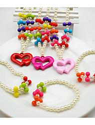 Bijoux en perles colorées Set de fille (collier et bracelet) (couleur aléatoire)