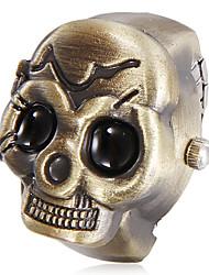 Motif unisexe Skull White Dial Quartz analogique anneau d'alliage (couleurs assorties)