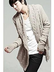 colarinho largo de manga comprida na moda dos homens com luvas de malha cardigan