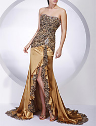 Formal Evening / Military Ball Dress - Gold Plus Sizes / Petite Trumpet/Mermaid Strapless Sweep/Brush Train Chiffon / Charmeuse