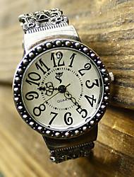 Xinyan Fashion Cut Out Reloj pulsera redondo (pantalla a color)