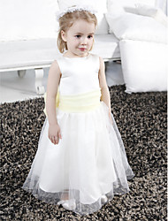 Lanting Bride A-line / Princess Floor-length Flower Girl Dress - Satin / Tulle Sleeveless Scoop with Bow(s) / Draping / Sash / Ribbon